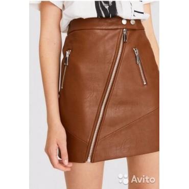Дамска къса кожена пола с ципчета, номер 34